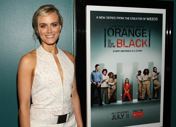 "bttues_Bigelow Tea Gives Time to Taylor Schilling From ""Orange Is the New Black"""