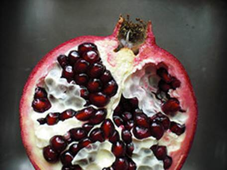 btfri_Bigelow Tea Cooks It Up During National Pomegranate Month!